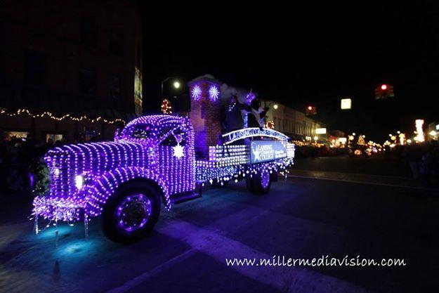 christmasintheville parade 2013 6