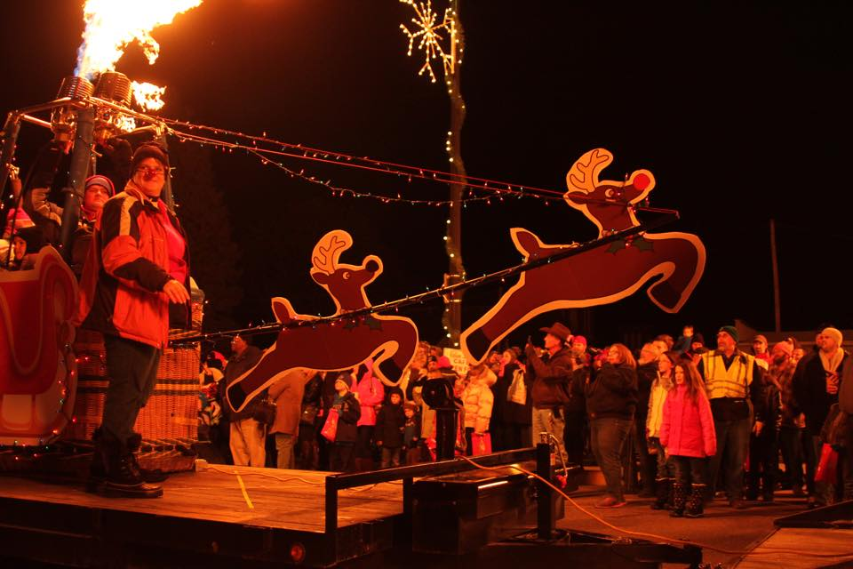 christmas in the ville fowlerville reindeer float