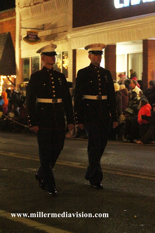 fowlerville christmas in the ville service men